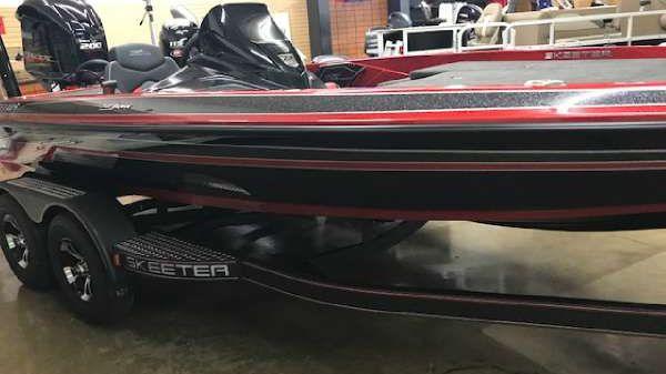 Skeeter ZX200