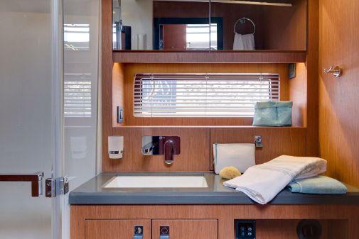 Beneteau America Oceanis Yacht 62 image