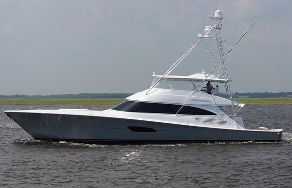 2022 Viking 92 Convertible