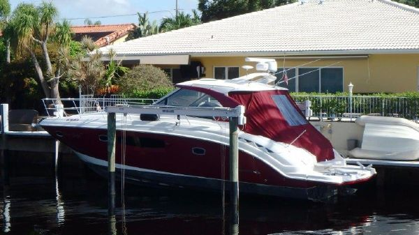 Chaparral 400 Coupe IPS, Regal, Sea Ray Port profile
