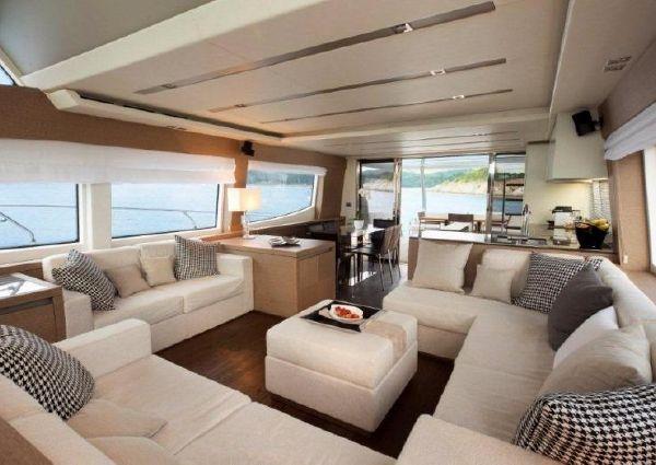 Prestige Yachts 750 image