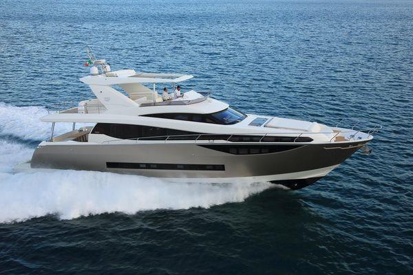 Prestige Yachts 750 - main image