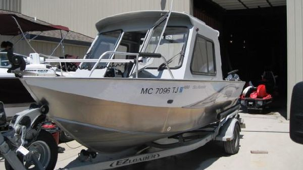 Hewescraft Sea Runner 18