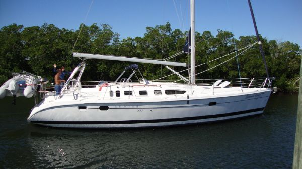 Hunter 460 PRISTINE CONDITION & MANY UPDATES!!