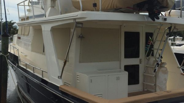 Offshore 48 Pilothouse