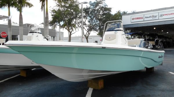 NauticStar 215 XTS Center Console 2017 NauticStar 215 XTS Center Console Bay Boat Saltwater Fishing