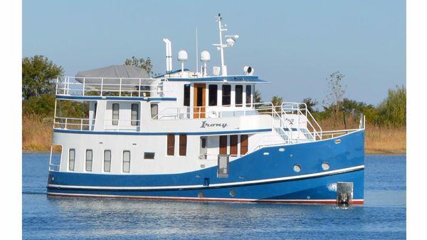 Florida Bay Coaster Raised Pilothouse Starboard Hull