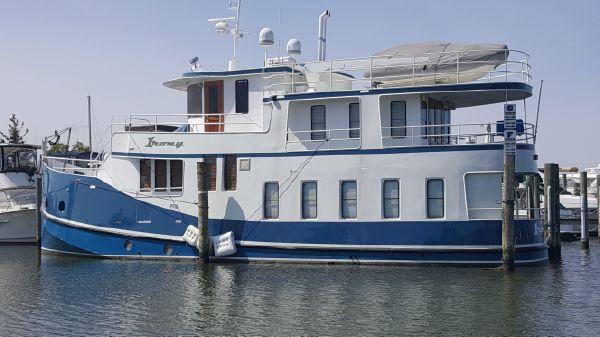 Florida Bay Coaster Raised Pilothouse