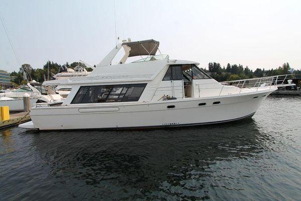 Bayliner 4788 Pilothouse Motoryacht - main image