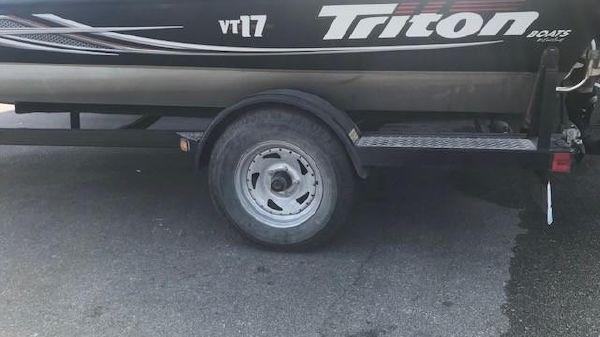 Triton VT 17