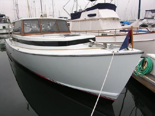 Oyster Bay Lobster Boat - main image