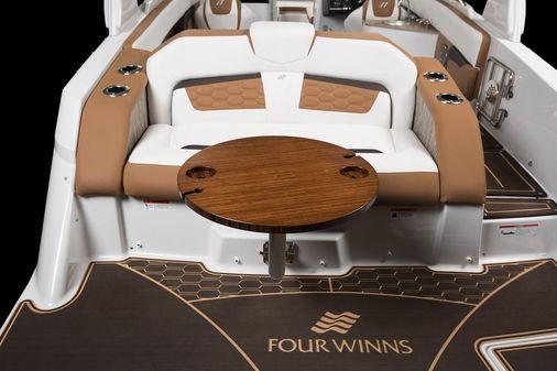 Four Winns HD270 image