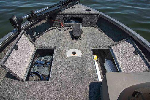 Crestliner 1650 FISH HAWK SE WT image