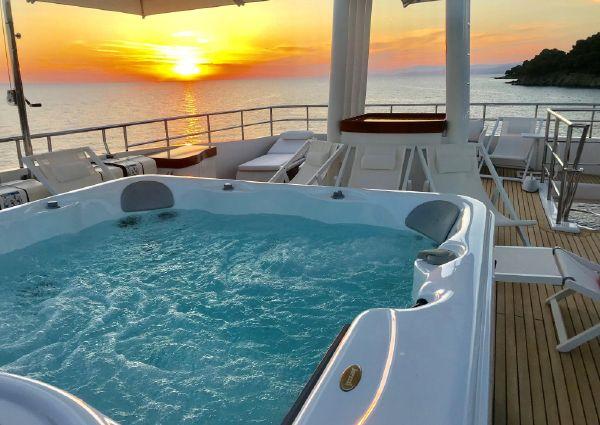 Custom Avangard Expedition Yacht 2014 image