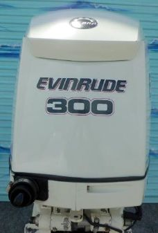 Evinrude  E-TEC 300hp 25 inch Shaft  Direct Injected 2-Stroke Outboard Motor image