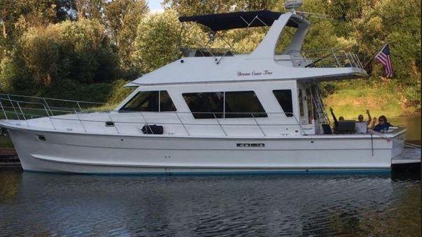 Custom Diamond Yachts 48 Sedan