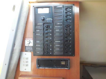 Maxum 2400 SE image
