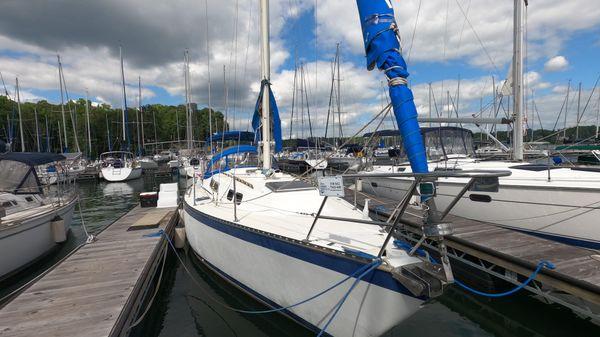 Columbia Yacht 10.7