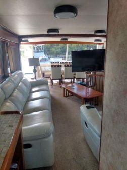 Hatteras Long Range Cruiser image