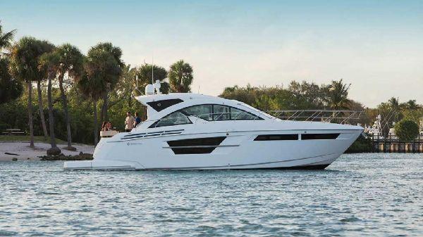 Cruisers Yachts 54 Cantius