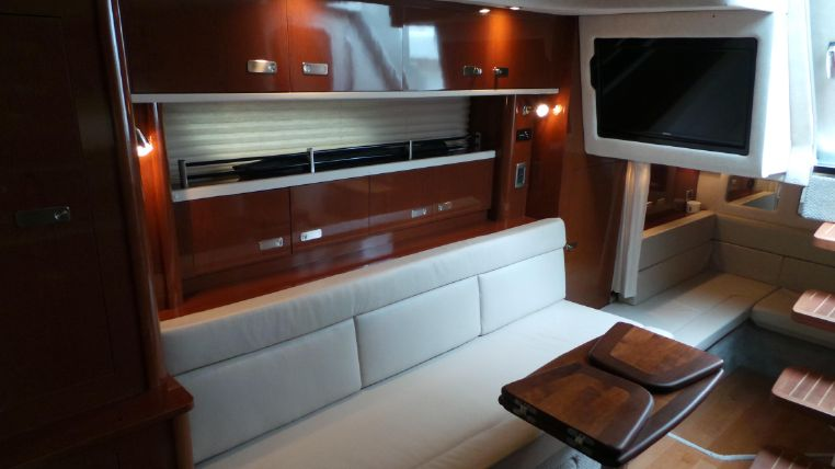 2010 Sea Ray 350 Sundancer Norwalk, Connecticut - Global One