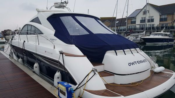 Fairline Targa 47 GT Fairline Targa 47 - Boat on mooring