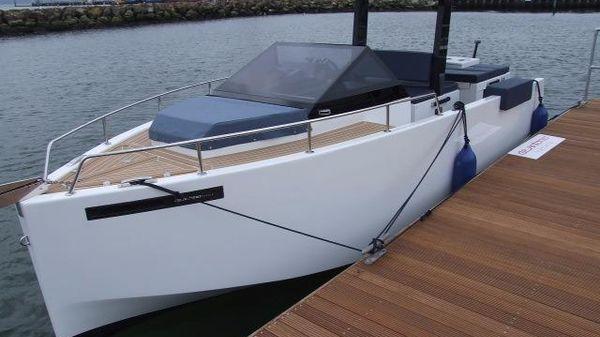 De Antonio Yachts D-23