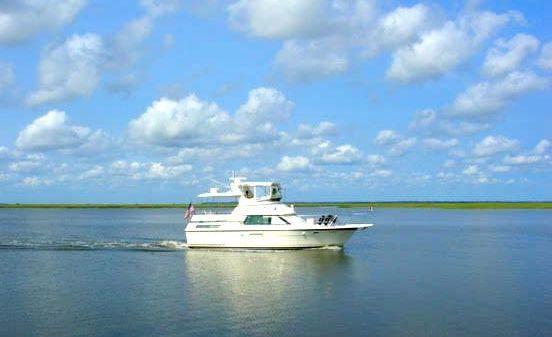 Hatteras 40 Double Cabin Motor Yacht