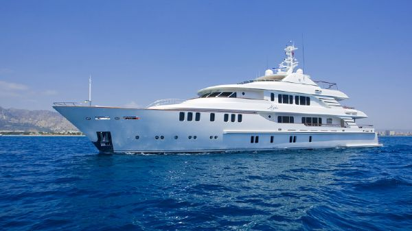 CMB Yachts 46m