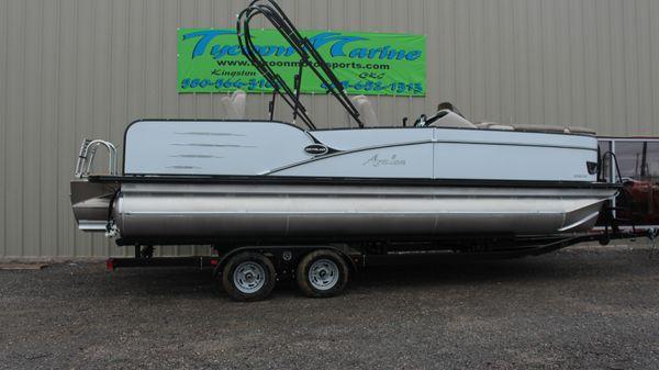 Avalon Catalina 2385 Rear Fish