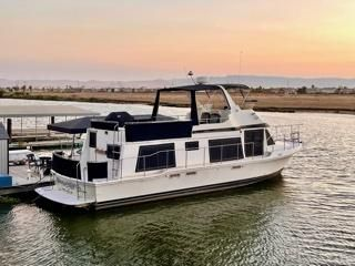 Uniflite Yacht Home