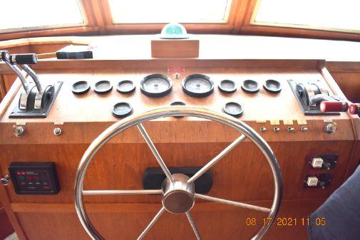 Uniflite Yacht Home image