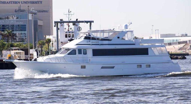 1999 Hatteras Motor Yacht Sport Deck