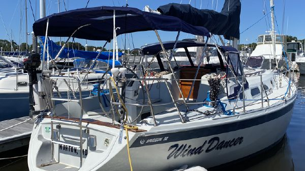 Pacific Seacraft Ericson 380