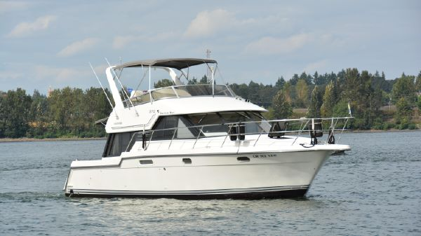 Carver Yachts Voyager
