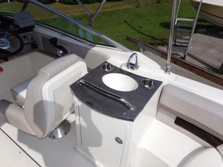 Sea Ray 250 SLX image