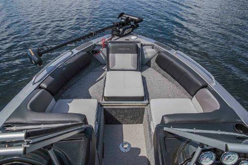 Crestliner 2050 Sportfish image