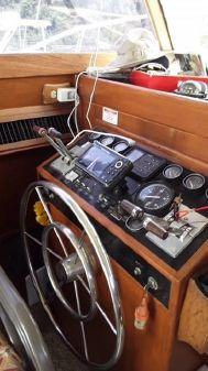 Viking 40 Sedan w CAT 3208 POWER image