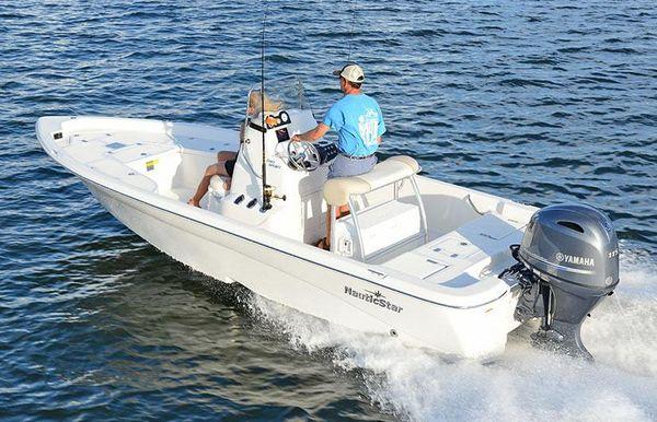 2017 NauticStar 2140 Sport Shallow Bay
