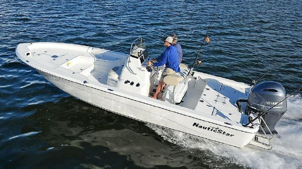 NauticStar 2400 Sport Manufacturer Provided Image