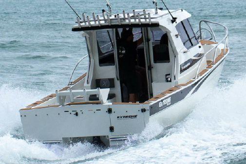 Extreme Boats 915 XST Walk Around image