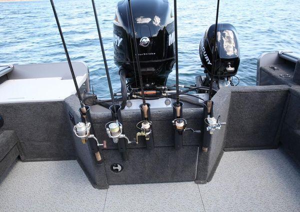 Lund 1800 Sport Angler image