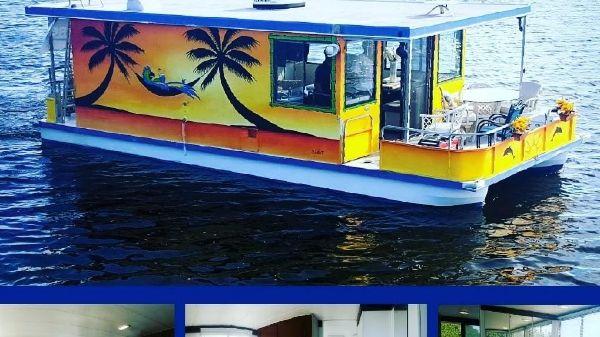 Catamaran Cruisers 35' Houseboat