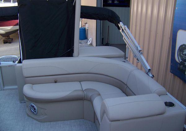 Avalon GS Cruise - 23 ft. image