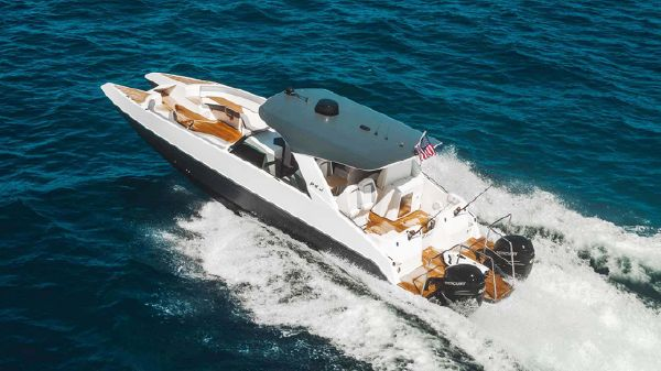 Custom PRJ Yachts Shadow Cat 40