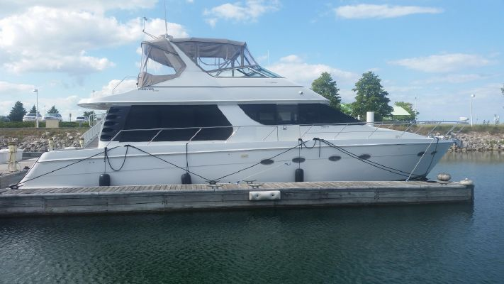 Carver 530 Voyager Pilothouse - main image
