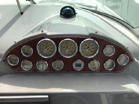 Bayliner 325 image