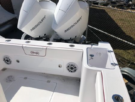 Custom Limitless 260 Center Console image