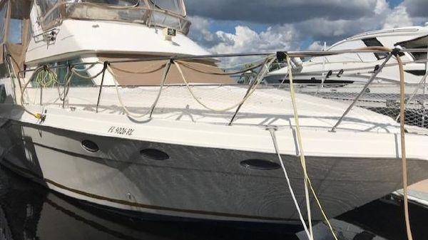 Cruisers Yachts Esprit 3950