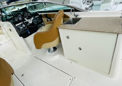 Sea Ray 280 Sundeck image